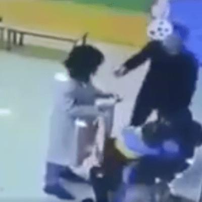 Video: Padre agrede a maestra que maltrataba a su hija