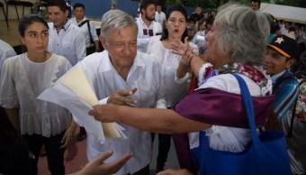 En nombre de los pueblos mayas la mujer indígena también solicitó al mandatario intervenir para acabar con temas como el vandalismo, 9 de noviembre de 2019 (Martín Zetina /Cuartoscuro.com)