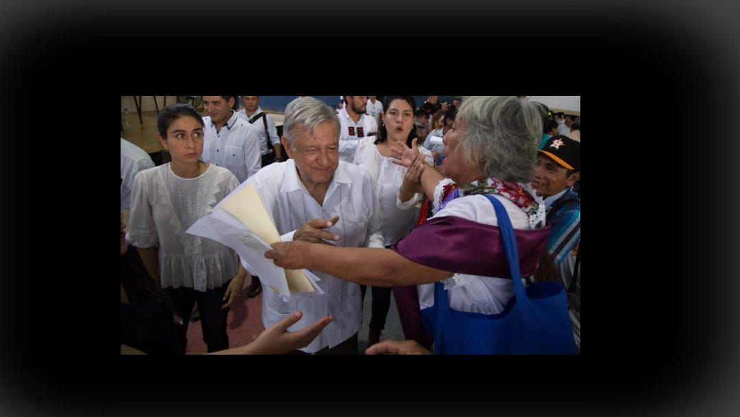 """foto AMLO: """"Si dar trato preferente a indígenas es ser racista, que me apunten en la lista"""" (Cuartoscuro archivo)"""