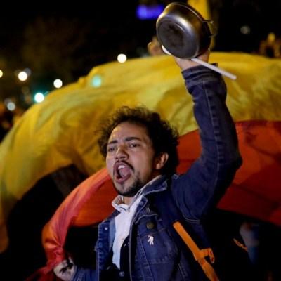 Proponen nueva constitución en Colombia; convocan nueva marcha