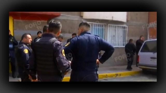 FOTO Mujer es asaltada al salir del banco de una plaza comercial de Legaria, CDMX (FOROtv)