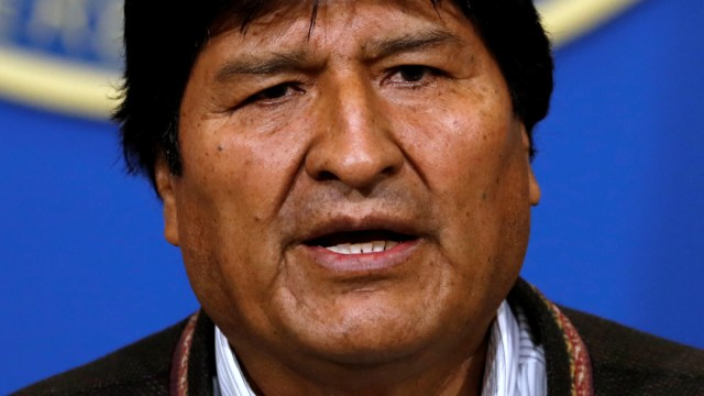 FOTO Asamblea legislativa de Bolivia recibe carta de renuncia de Evo Morales (Reuters)