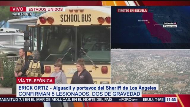 Autoridades buscan al autor del tiroteo en la escuela de California