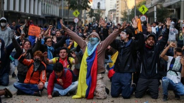 Foto: Los desórdenes en Bogotá comenzaron en la tarde del jueves al concluir las manifestaciones contra la política económica, el 22 de noviembre de 2019 (Reuters)
