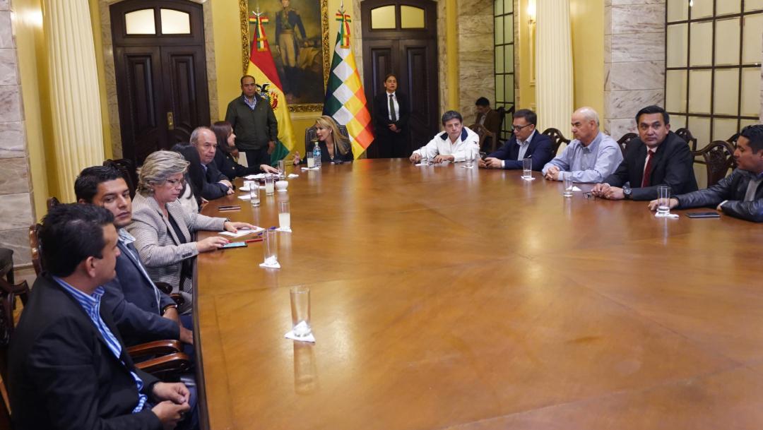 FOTO Bolivia: Gobierno y oposición negocian acuerdo (Getty Images)