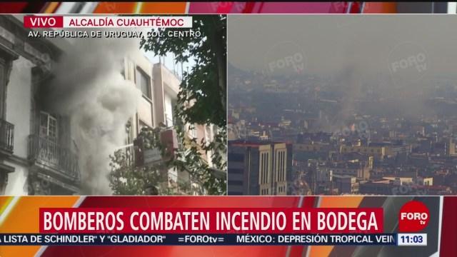 Foto: Bomberos combaten incendio bodega Centro Histórico, colapsa parte edificio