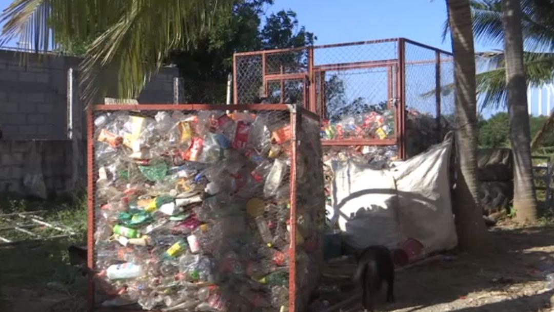 Foto: Intercambian botes de PET por víveres en Oaxaca, 17 de noviembre de 2019, (Noticieros Televisa)