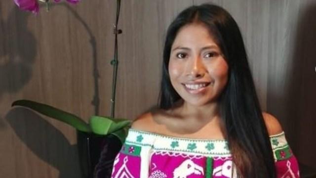 """Foto: Hermosa blusa Mixteca de San Pablo Tijaltepec, Oaxaca, paseando por Kaohsiung, Taiwan"""", escribió Yalitza, 6 de noviembre de 2019 (Instagram yalitzaapariciomtz)"""