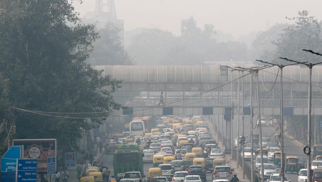 FOTO Por contaminación, cierran escuelas de Nueva Delhi por 2 días (AP)