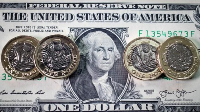 El resto de la jornada, el peso oscilaría entre 19.05 y 19.15 por dólar, dijeron analistas de CI Banco en un reporte.