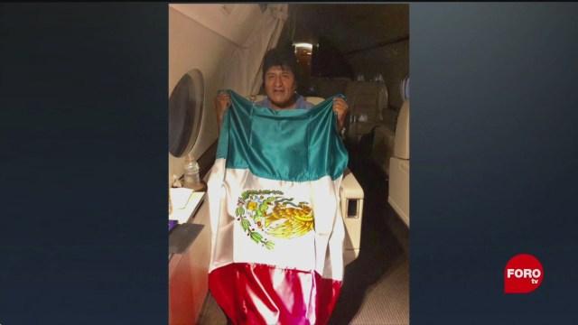 FOTO: Ebrard comparte foto de Evo Morales a bordo de avión, 11 noviembre 2019