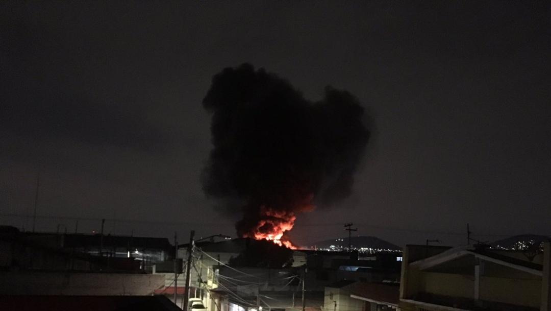 Incendio en Ecatepec,14 de noviembre de 2019 (Twitter @Caasi201)