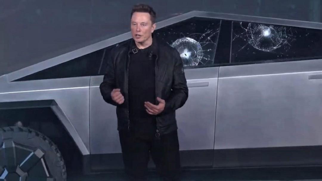 Foto: Elon Musk aclara por qué las ventanas antibalas de la Cybertruck se estrellaron