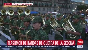 FOTO: Flashmob bandas guerra Sedena Zócalo,