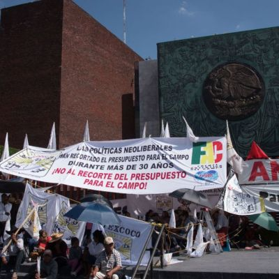 Antorcha Campesina anuncia que no se retirará de la Cámara de Diputados