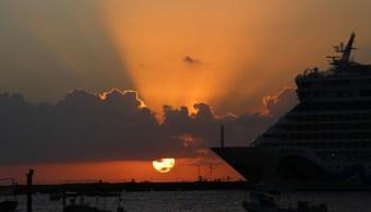Foto: Un crucero al atardecer en la Isla de Cozumel. Cuartoscuro
