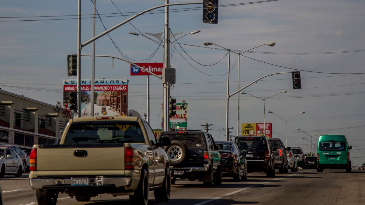 Foto: Autos circulan por una calle de la Mexicali, Baja California. Cuartoscuro