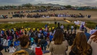 FOTO En la celebración también participaron migrantes que se encuentran refugiados en la Casa del Migrante de Ciudad Juárez, 2 de noviembre de 2019 (Foto: Joe Najera / Diócesis de El Paso.)