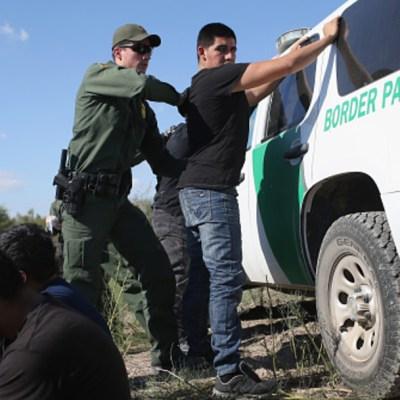 Propone EEUU aumentar tarifas para solicitantes de asilo