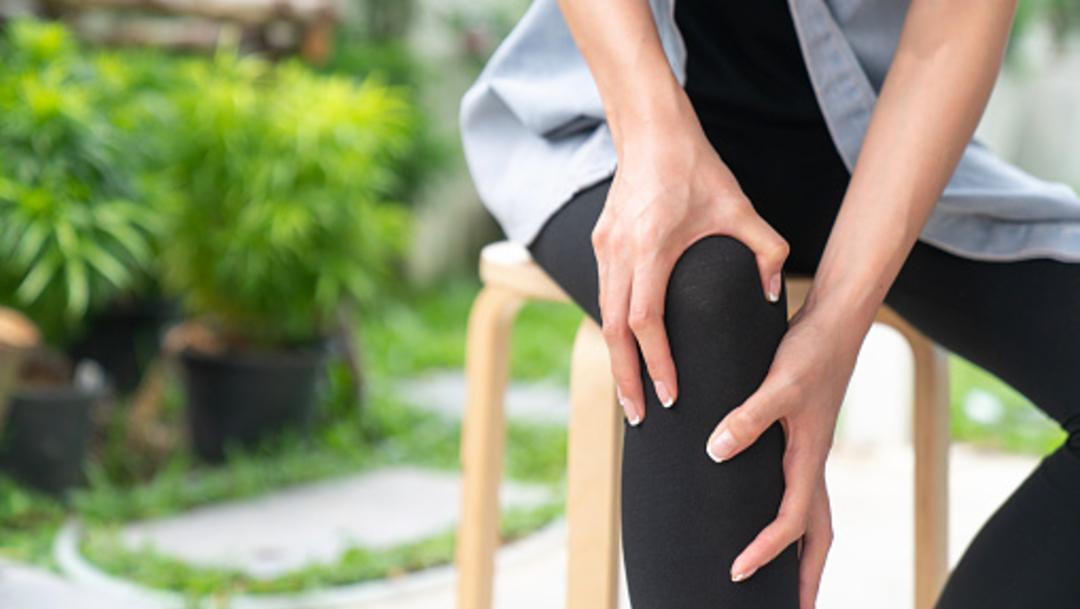 Foto: Calambres en piernas podrían ser señal de una enfermedad arterial, 22 de noviembre de 2019 (Getty Images, archivo)