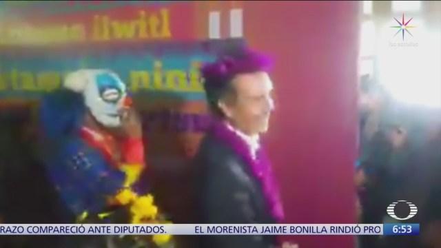 FOTO: Graban a gobernador de Veracruz bailando por Día de Muertos, 1 noviembre 2019
