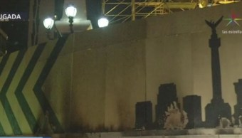 Foto: Sujeto intenta incendiar el Ángel de la Independencia, 21 noviembre 2019