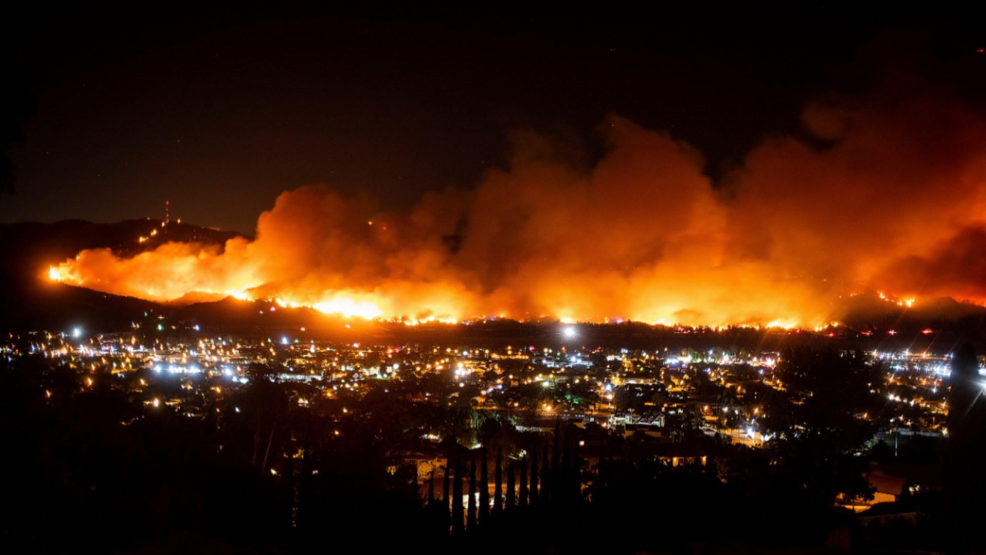 Incendio en Santa Paula, California.