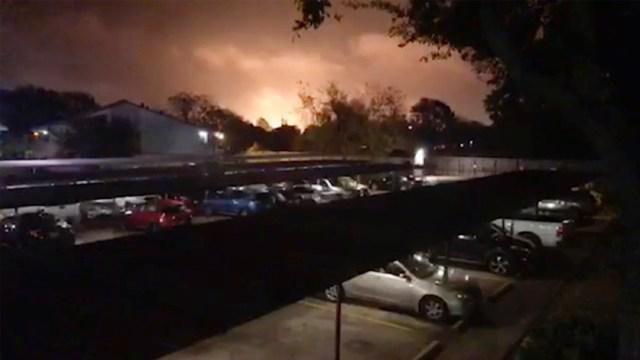 Foto: Incendio en la planta química de Port Neches, 28 noviembre 2019