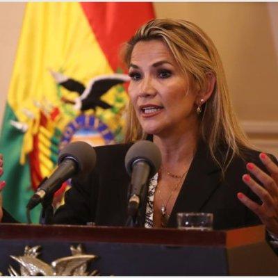 Presidenta interina de Bolivia pide a Guaidó liberar al pueblo venezolano