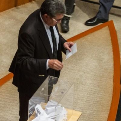 Monreal rechaza haber emitido voto doble a favor de Rosario Piedra Ibarra
