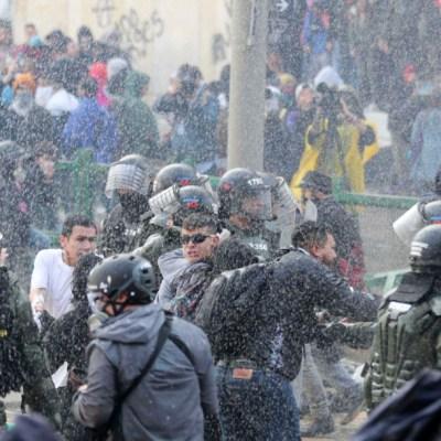 Nuevos disturbios entre manifestantes y policías en Colombia