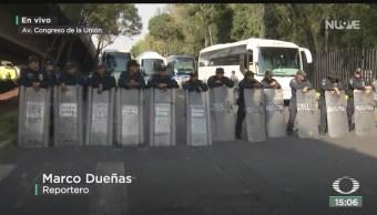 FOTO: Organizaciones campesinas mantienen bloqueo San Lázaro,