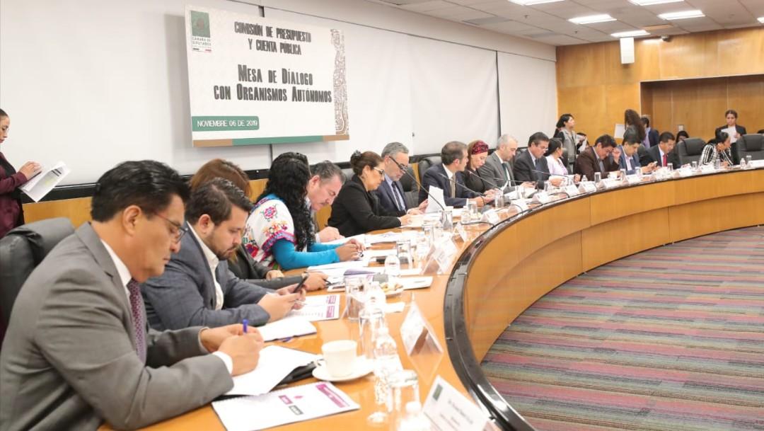 Foto: Lorenzo Córdova explicó que del presupuesto solicitado para 2020, tres mil 685 millones de pesos se destinarán a la expedición de 16 millones de credenciales para votar con fotografía