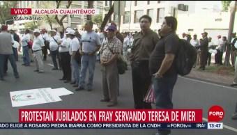 Foto: Pensionados Gobierno CDMX Bloquean Avenida Fray Servando