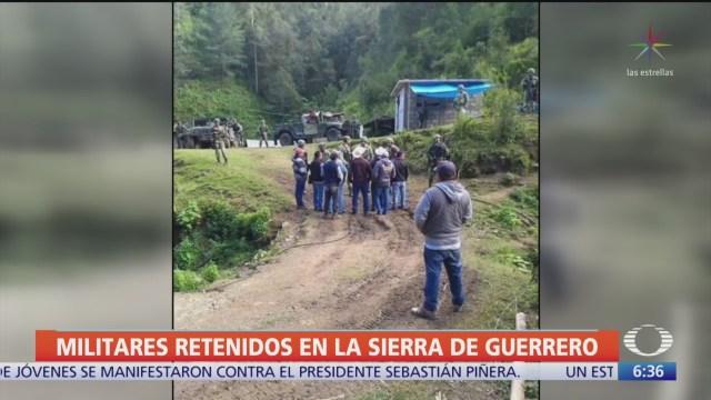 Pobladores de Guerrero retienen a militares, rechazan operativos contra amapola