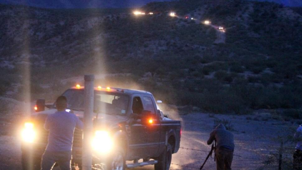 FOTO Los LeBarón viajan en caravana hacia Bavispe para funerales