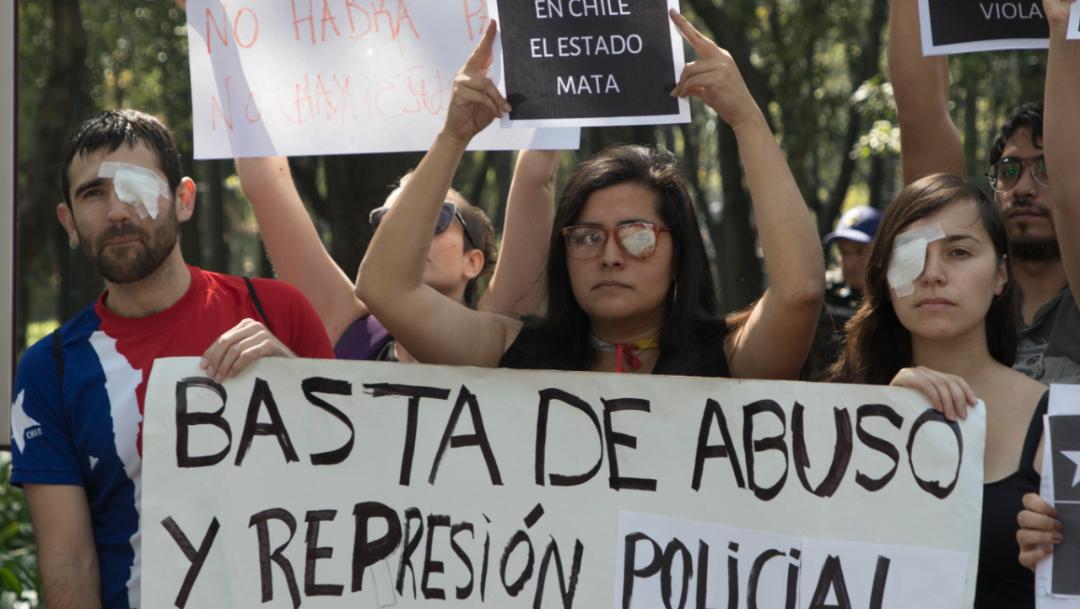 Imagen: El uso indiscriminado de escopetas antidisturbios ha dejado miles de heridos, 18 de noviembre de 2019 (AP)