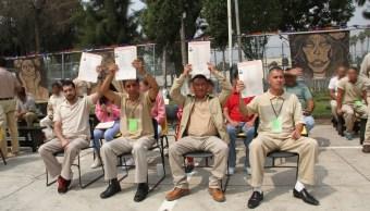 Presos se gradúan como abogados de la UACM