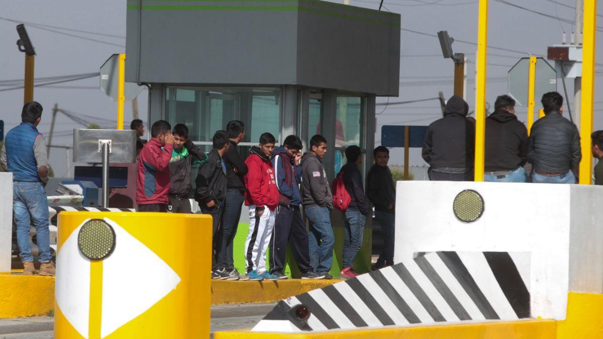 Protesta de normalistas de Tenería.