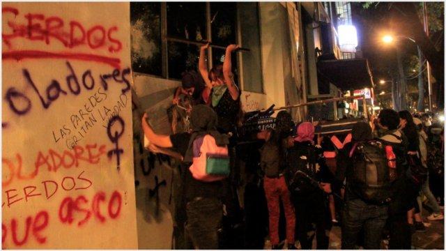 Imagen: Comerciantes piden evitar actos violentos en marcha del lunes, 23 de noviembre de 2019 (GRACIELA LÓPEZ /CUARTOSCURO.COM)
