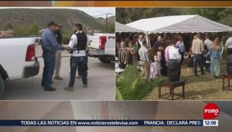 Se reúnen en Bavispe familiares LeBarón para funerales de víctimas de masacre