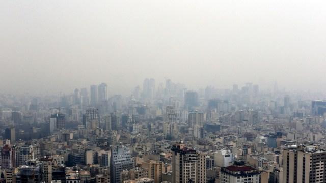 FOTO Suspenden clases en Teherán por contaminación (AP,archivo)