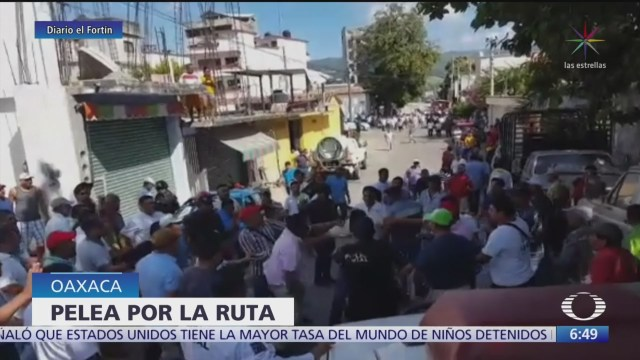 Foto: Video Taxistas mototaxistas se enfrentan Pinotepa Nacional Oaxaca