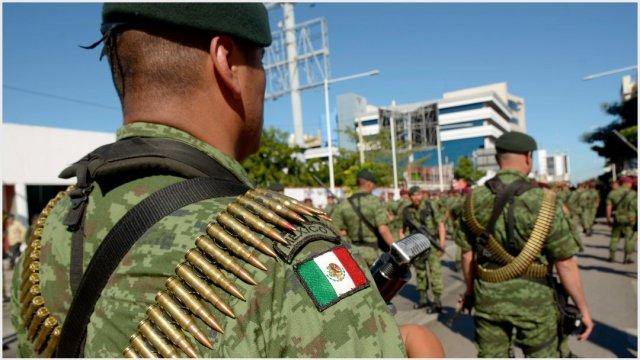 Imagen: Un elemento del Ejército fue detenido con varios paquetes de cocaína, 24 de noviembre de 2019 ( JUAN CARLOS CRUZ /CUARTOSCURO.COM)