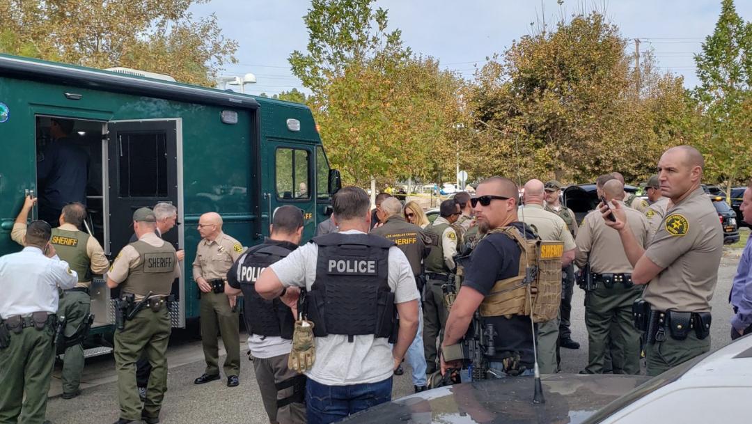FOTO Reportan tiroteo en escuela de Santa Clarita, California (Twitter)