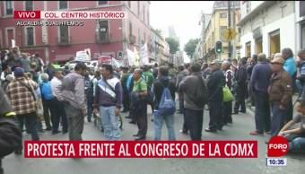 Trabajadores no asalariados protestan frente al Congreso de la CDMX
