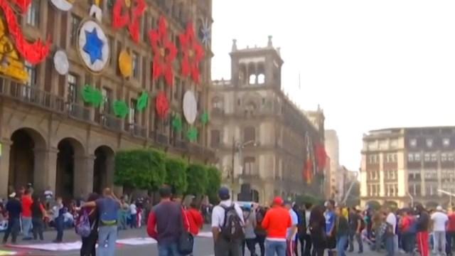Foto: Vagoneros protestan en el Zócalo de la Ciudad de México