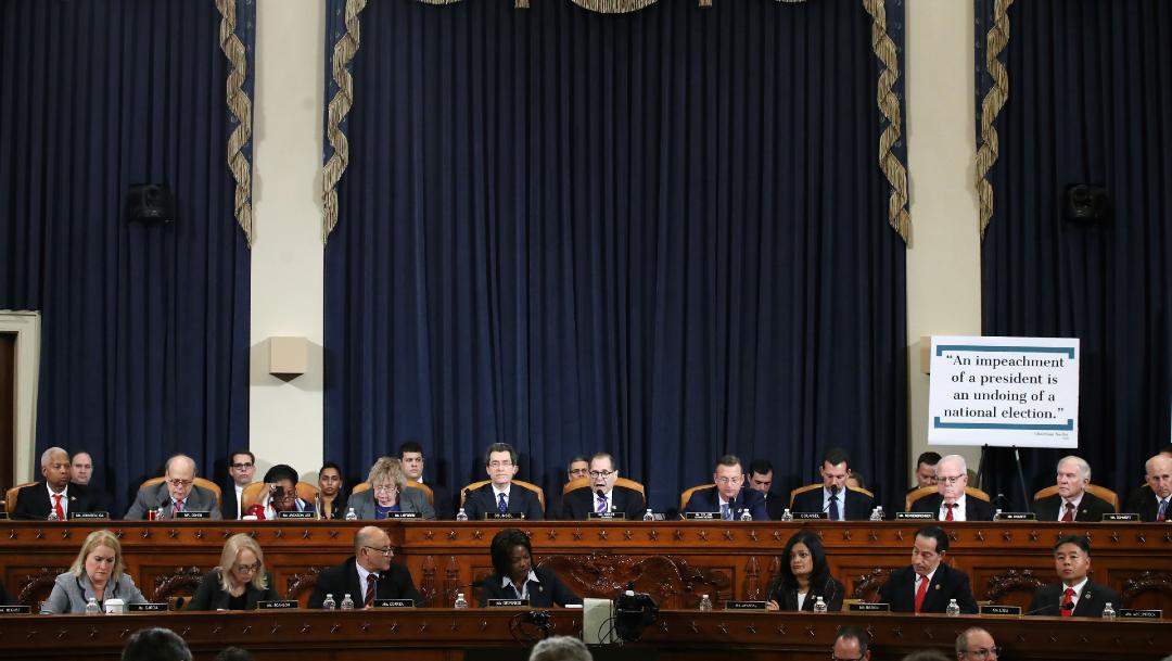 FOTO Académicos rinden testimonio en audiencias para impeachment de Donald Trump (AP)