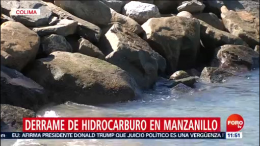 FOTO: Autoridades emiten alerta por derrame de combustible en playas de Manzanillo, 14 diciembre 2019