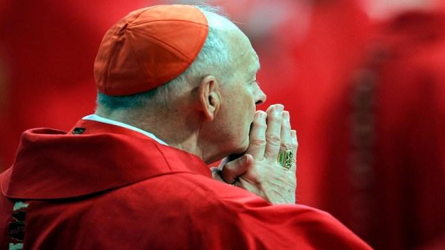 Grandes sobornos de excardenal estadounidense a papas Juan Pablo II y Benedicto XVI, salen a la luz